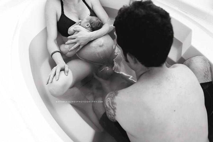 คลอดลูกในน้ำ